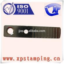 Pièces d'estampage métallique sur mesure pour la fabrication de tôles