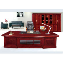 Gran escritorio ejecutivo con chapa de papel