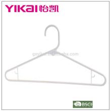Bulk PP calças de plástico / camisa / cabide saia na China em cor branca