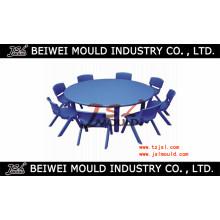 Chaise de table en plastique