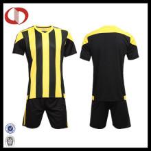Cheap Sublimação Homens Personalizado Striped Futebol Camisa Soccer Jersey