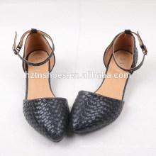 2015 sapatas novas da forma da mola sapatas macias da sandália das mulheres do weave do preto com baixo heel