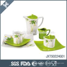 Ensemble de thé de porcelaine de 24pcs, ensemble coloré de dîner avec l'autocollant de fleur
