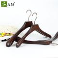 Cintre de costume d'épaule large en bois de haute qualité
