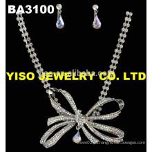 Mariposa hermosa collar de cristal para las mujeres