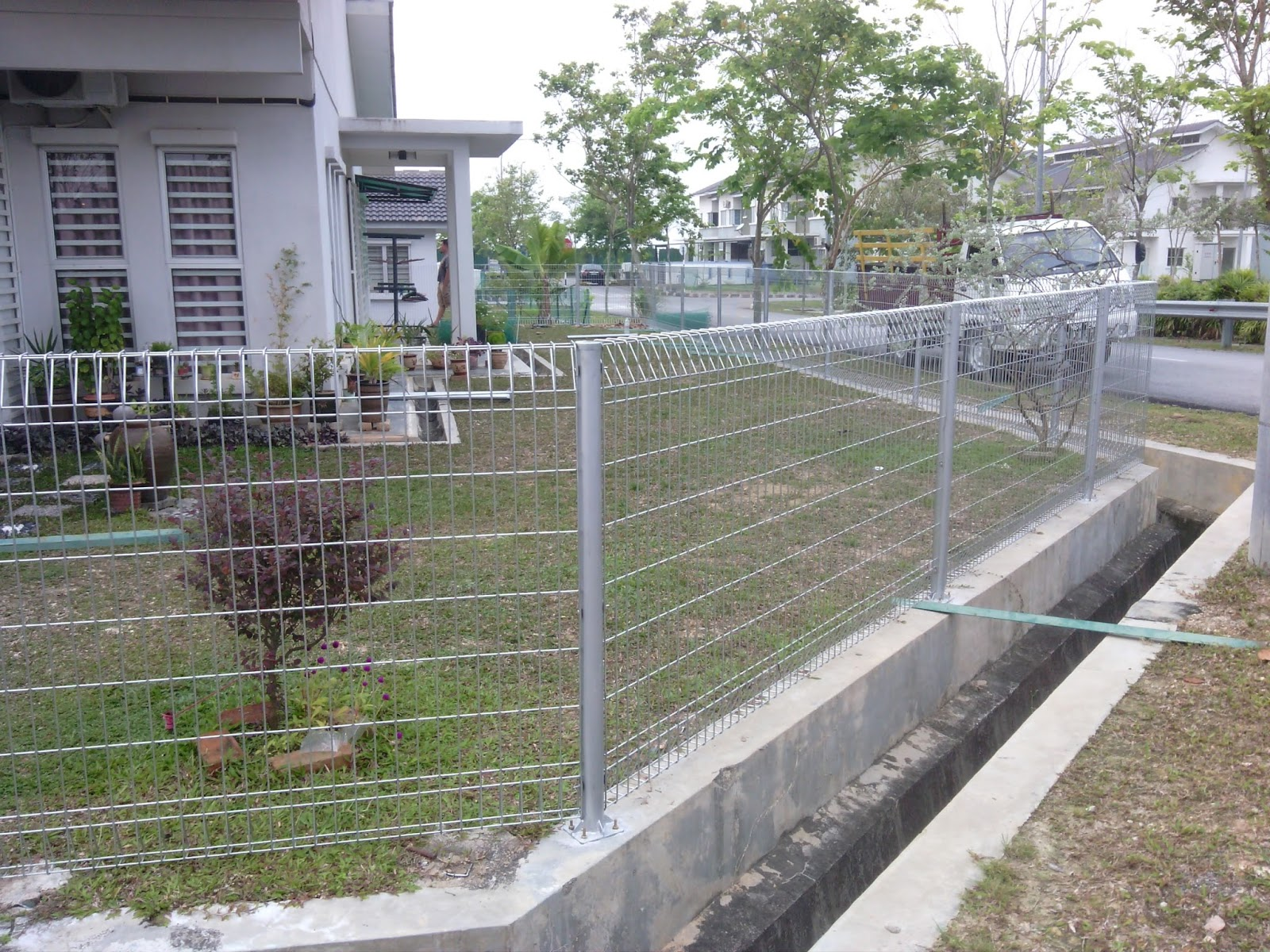 BRC Fence Installing