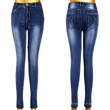 Sehr heiße Mädchen defekte Effekt Jeans