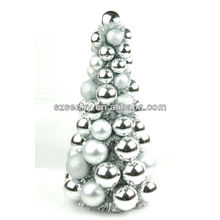 Arbre de Noël en plastique décoratif à la main