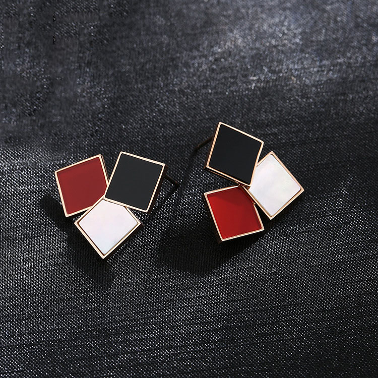 Pretty Stud Earrings