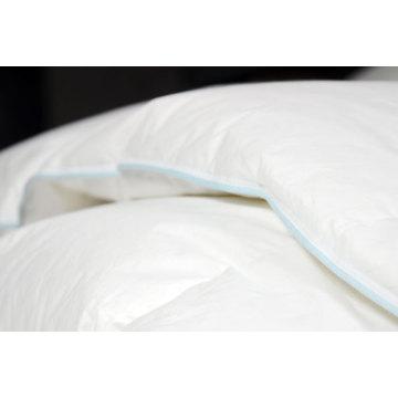 Couettes et coussins en microfibres en polyester matelassés