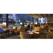 Kommerzielle gepolsterte Esszimmer Tisch Stuhl Möbel für Hotel Restaurant (FOHCF-8888)