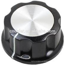 MF-A Large Boss Style - Perilla giratoria negra estriada con perillas de amplificador plateadas superiores