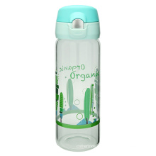 Одно касание открытой стеклянная бутылка воды