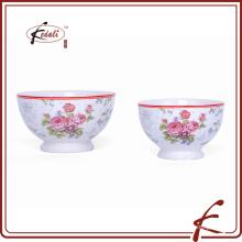 Белая керамическая чаша с декалью для рекламных материалов