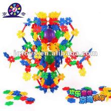 Пластмассовые игрушки геометрические фигуры