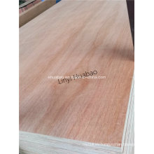Okume Plywood Poplar Core E1 Cola BB / CC Grado