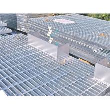 На заводе высококачественная нержавеющая сталь HDG с зубчатой стальной решеткой для дорожек