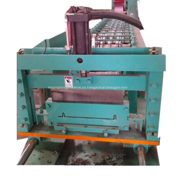 Tira de uñas con costura de pie rollo que forma la máquina