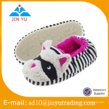 China al por mayor precio de fábrica de invierno elegante de lana caliente zapatos interiores zapato sandalia interior invierno