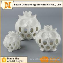 Blanco de cerámica ahueca hacia fuera el sostenedor de vela de búho de cerámica