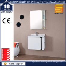 Moderna bañera de baño de almacenamiento simple con estante de espejo