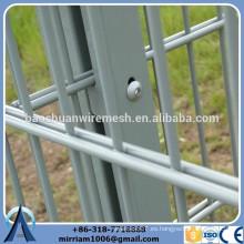 Capa de polvo de alambre doble en el orillo de la valla de malla