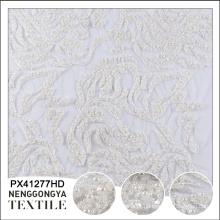 China OEM vestido luxuoso uso padrão de flor bordado tecido grânulo