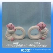 Кольцо для салфеток из керамической бумаги с фигуркой из овечьей шерсти