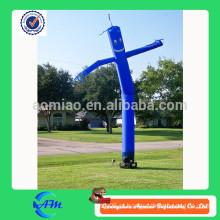 Dançarino de ar azul ao ar livre, dançarino de céu para a publicidade