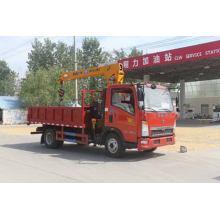 SINOTRUCK HOWO 3.2Tons Crane Cargo Truck