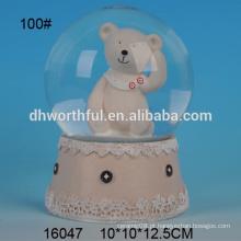 Urso de alta qualidade em forma de globo de água polyresin