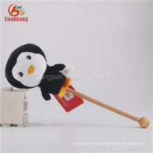 Brinquedo enchido do luxuoso da vara da massagem do pinguim do ODM 15cm para crianças