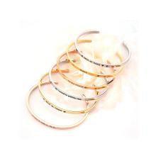 Bracelet bijoux emballage manchette estampillé bijoux en acier inoxydable bracelet pour femme