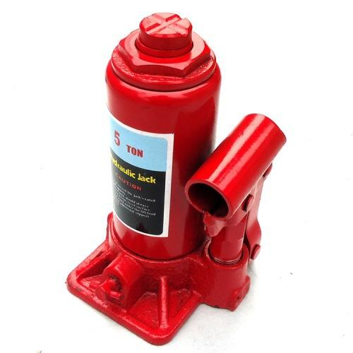 Small hydraulic bottle jack