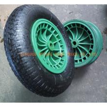 Gummi-Rad mit Kunststoff-Felge.
