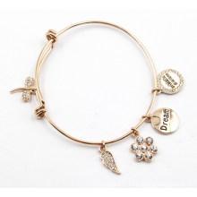 Bracelete de chapeamento de ouro com encantos personalizados