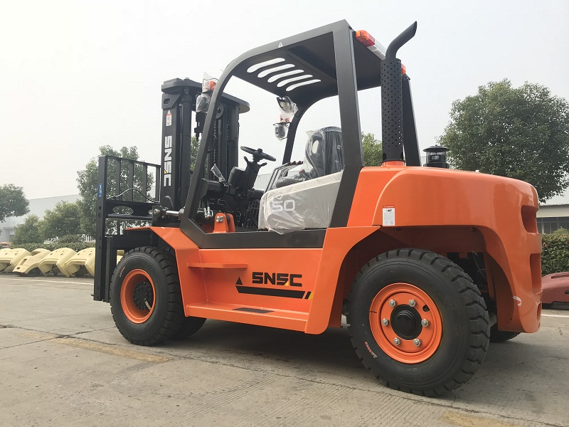 Heavy 5ton fork lift