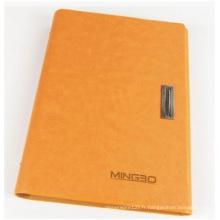 Cahier Orange à couverture rigide pour la publicité. Bloc-notes Artpaper avec serrure