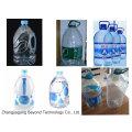 Botella de agua de botella 5L que llena la máquina que capsula