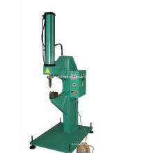 Máquina de rebitagem com acionamento a ar (FC08)