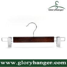 Cabide de madeira marrom com gancho / clipe Matel
