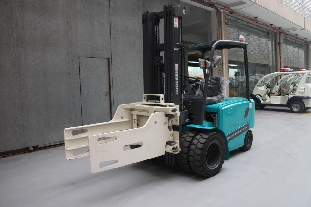 Forklift With Bale Clamp