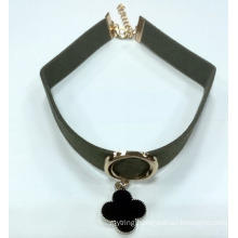 Fashion Necklace Choker with Flower Caharm with Black Enamel