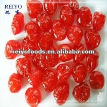 Getrocknete rote Kirsche mit Zucker