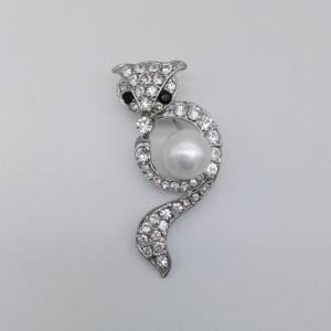 Freshwater Pearl Cubic Zirconia Brooch with Owl Shaped