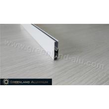 Белый алюминиевый профиль с порошковым покрытием