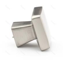 Moderner quadratischer Kabinettknopf aus Satin-Nickel