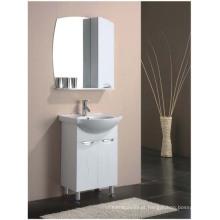 Pintura de lustre no chão MDF Vaivém de banheiro com espelho