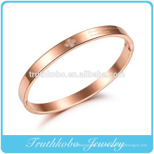 Brazaletes de oro rosa con cristal de estilo clásico y estilo de amor.