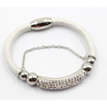 Bracelet en cuir de bijoux de mode de haute qualité avec charmes en acier inoxydable